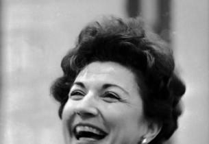 Eileen Herlie (Photo: Don Hunstein)